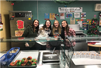 Holiday fun with DECA volunteers thumbnail161019